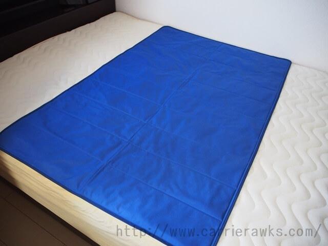 ベッドに敷いたスピードクーラー